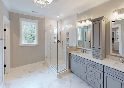 Exquisite MBath with Italian Marble