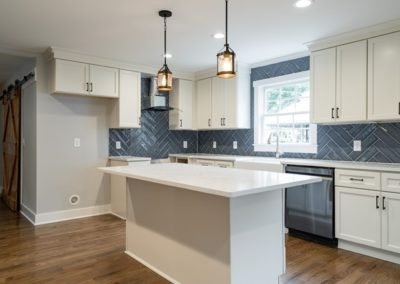 220 Georgetown Road: Custom Build by Urban Building Solutions