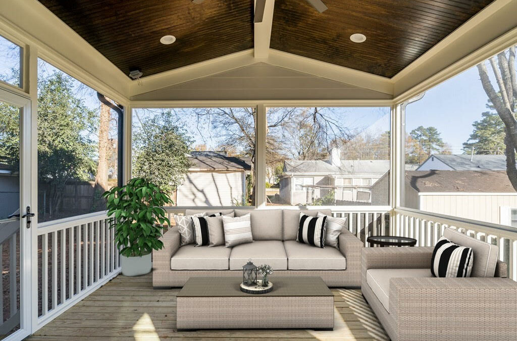 Screened-In and Cozy: Staying Warm In Outdoor Spaces